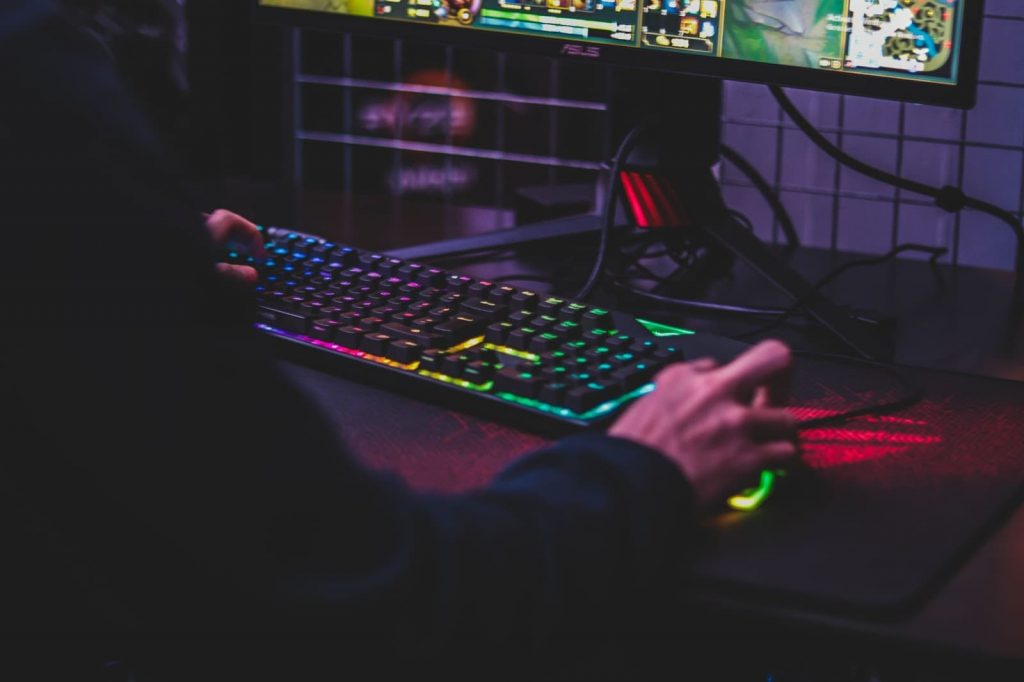 Gaming Cyberbullying: Signs to Watch for on Gaming Platforms